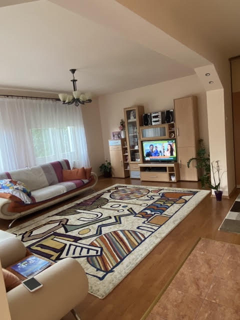 Casa individuala  situata in zona Lama !